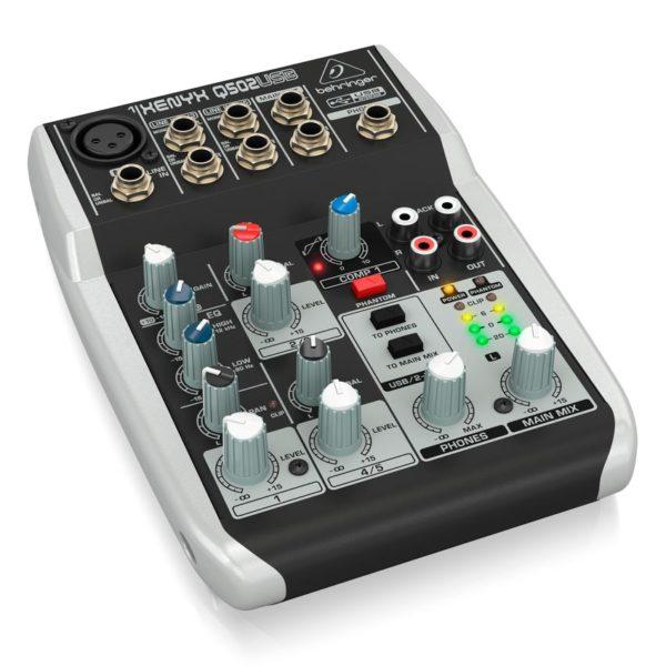 Behringer XENYX Q502USB пульт микшерный 5-канальный