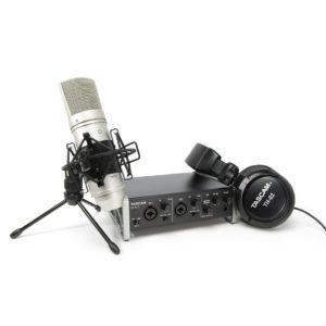 Tascam US-2X2TP комплект для звукозаписи